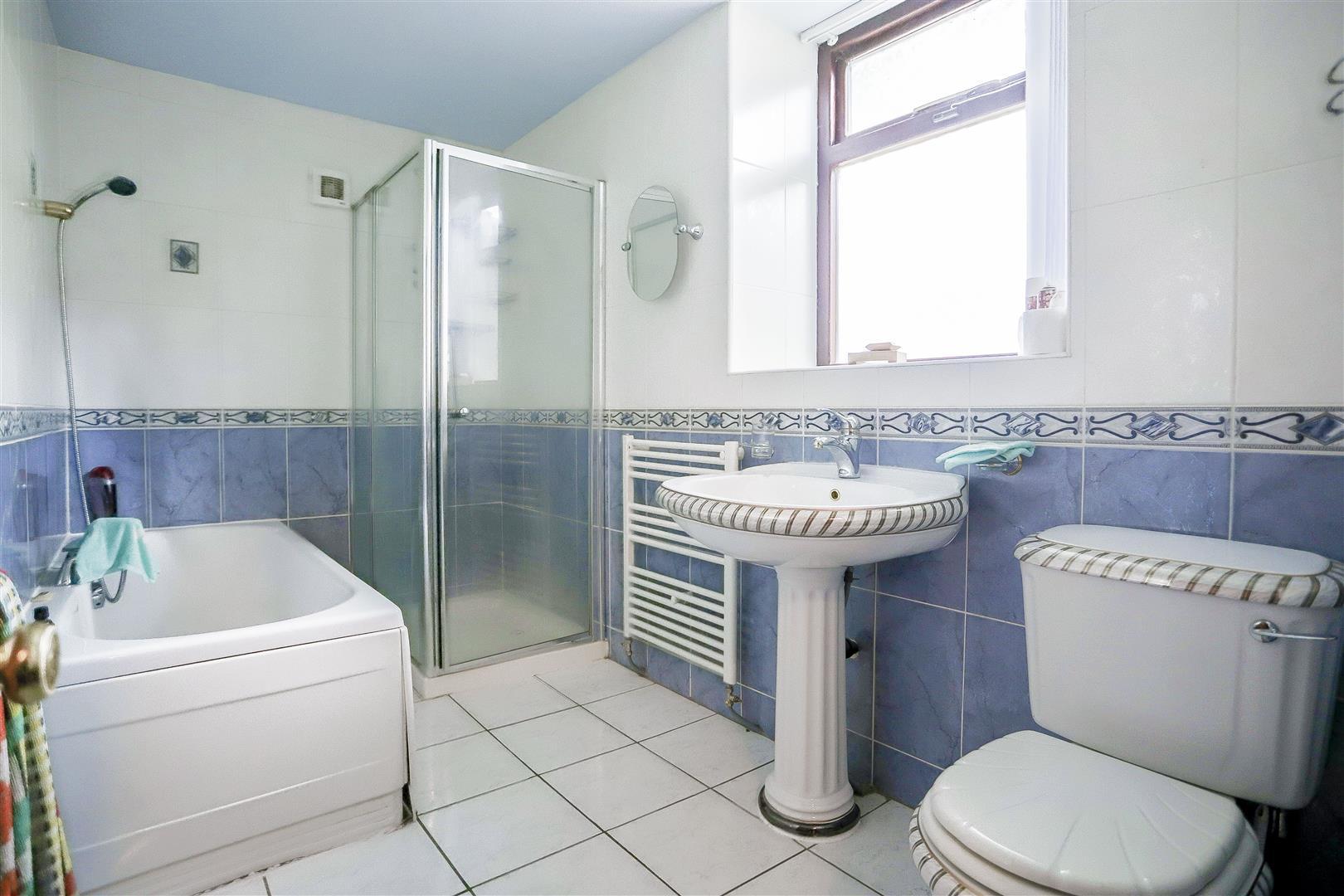 2 Bedroom Barn Conversion For Sale - 8.jpg